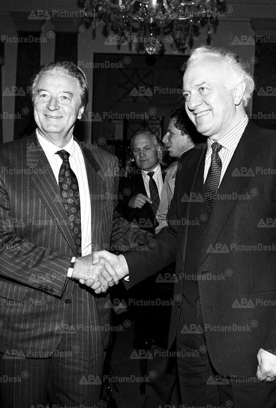 Eduard Schewardnadse und Roland Dumas