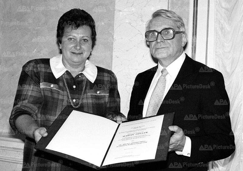 Dr. Bruno Kreisky-Preis 1990 - Hilde Hawlicek und Martin Ziegler