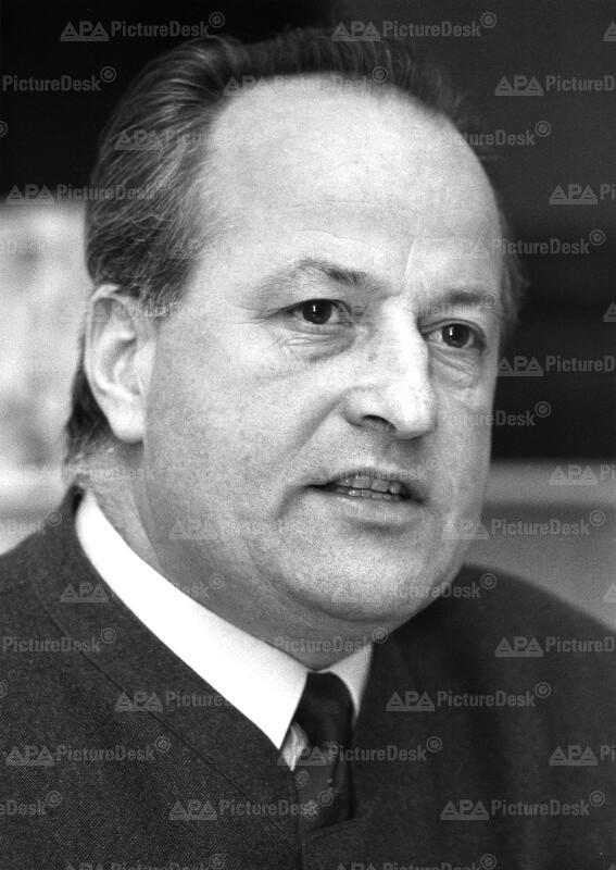 Georg Schwarzenberger