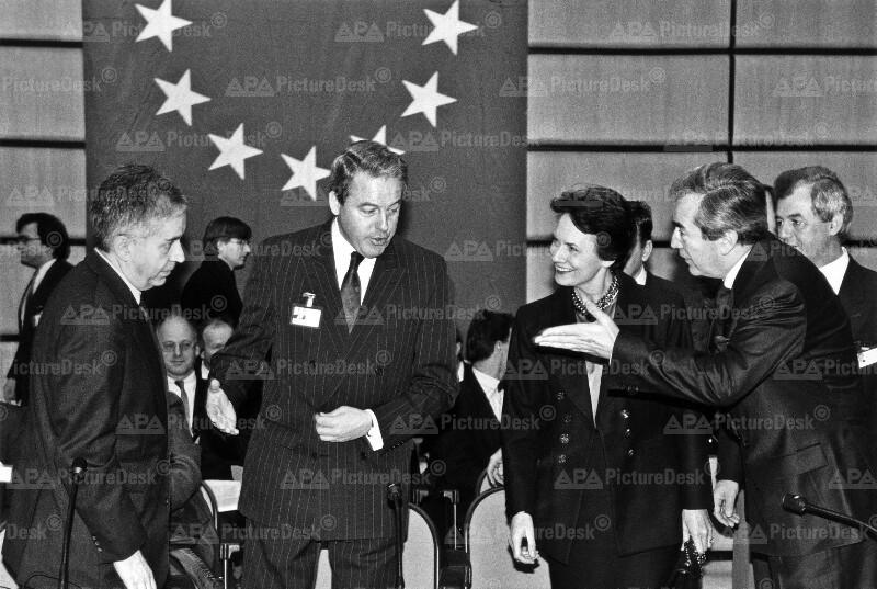 EU-Ministerkonferenz - Löschnak, Vranitzky, Lalumiere und Mock