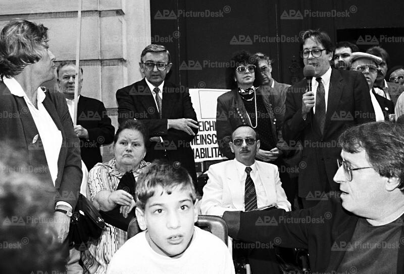 Demo für Pflegevorsorge - Ferdinand Lacina
