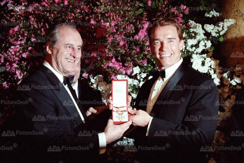 Goldenes Ehrenzeichen für Arnold Schwarzenegger