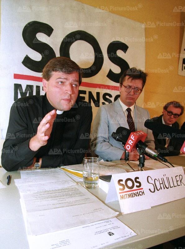 Christian Schüller und Paul Vecsei bei SOS-Mitmensch-Pressekonferenz