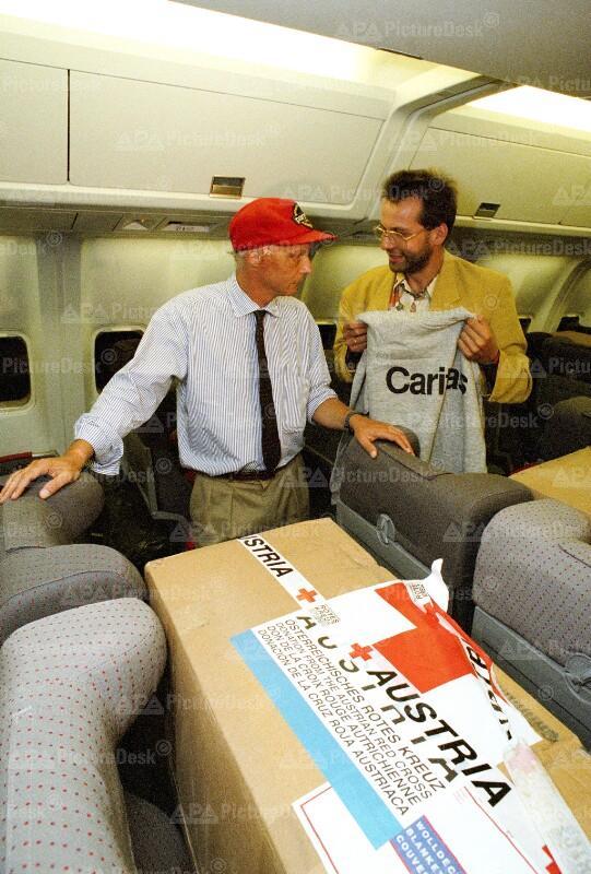 Österreichischer Hilfsflug für Ruanda-Flüchtlinge - Niki Lauda