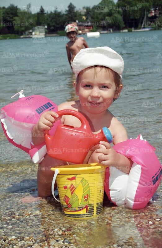 Badespaß Sommer 1995