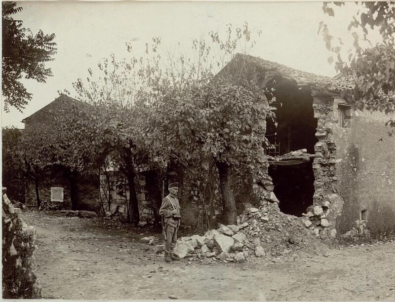 Zerschossenes Haus in  Opatje Selo  (Oppacchiasella)