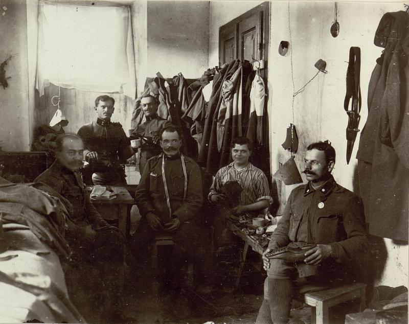 Schuster und Schneider Werkstätte des 5. Armeekommandos.