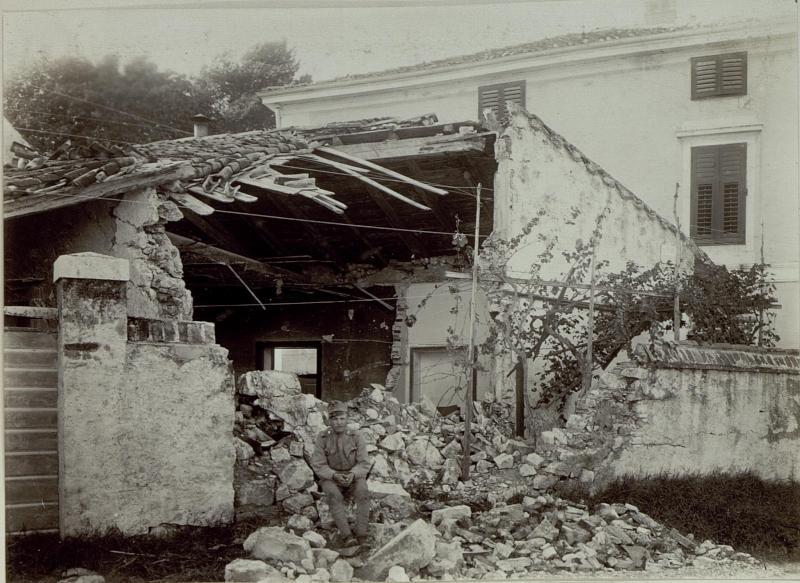 Schäden an der Zündhölzerfabrik in Görz, beschossen am 20.VI.1915.