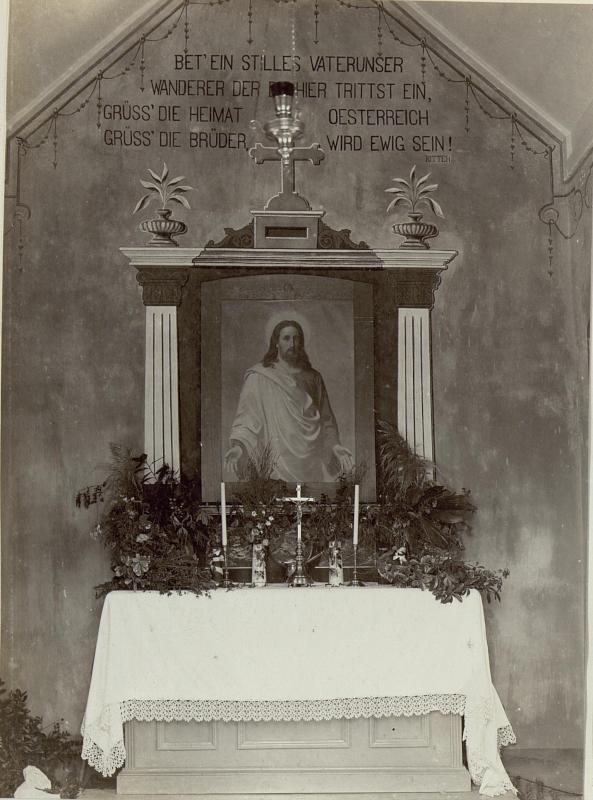 Altar des Soldatenfriedhof-Kapelle in Ajdovscina (Haidenschaft)
