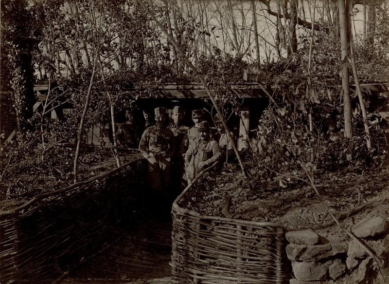 Artilleriebeobachter bei der Arbeit in Sempeter, bei Gorizia (Görz)
