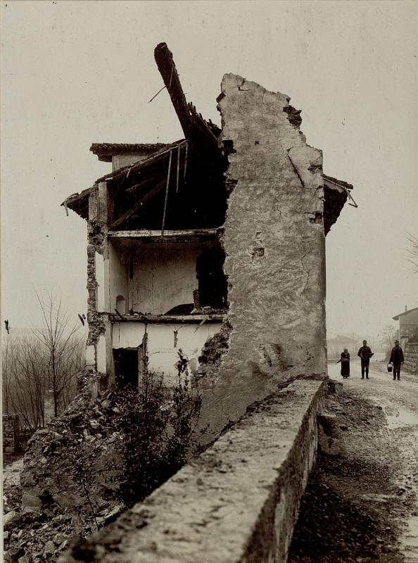 Zerschossenes Haus in Merna bei Görz