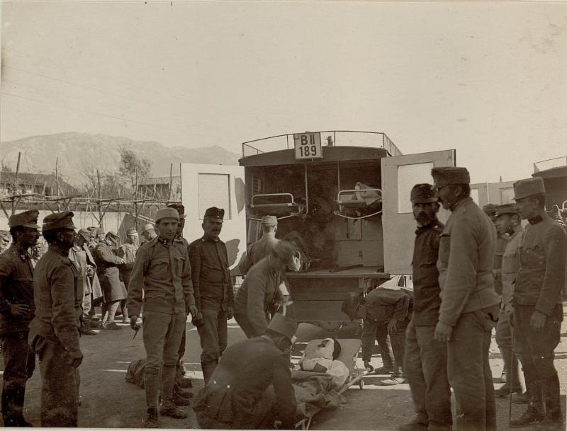 Abtransport von Verwundeten während der dritten Isonzoschlacht