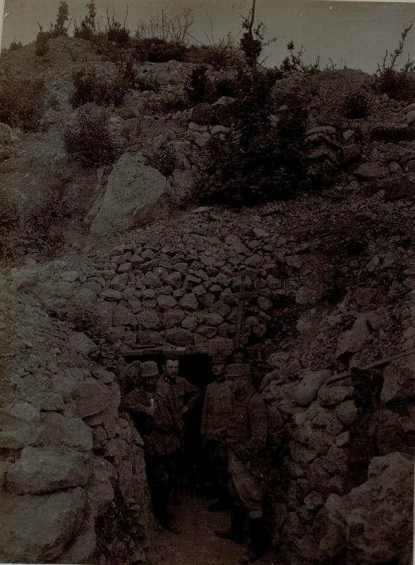 Die Durchgangskaverne bei der Höhe 302, Sankt Katharina