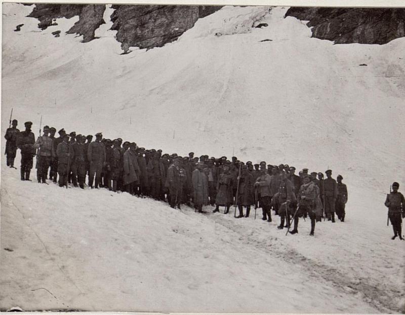 Begegnung des Erzherzogs Generalartillerieinspektor Leopold Salvator auf dem Weg zur Filmoorhöhe im Frühjahr 1916