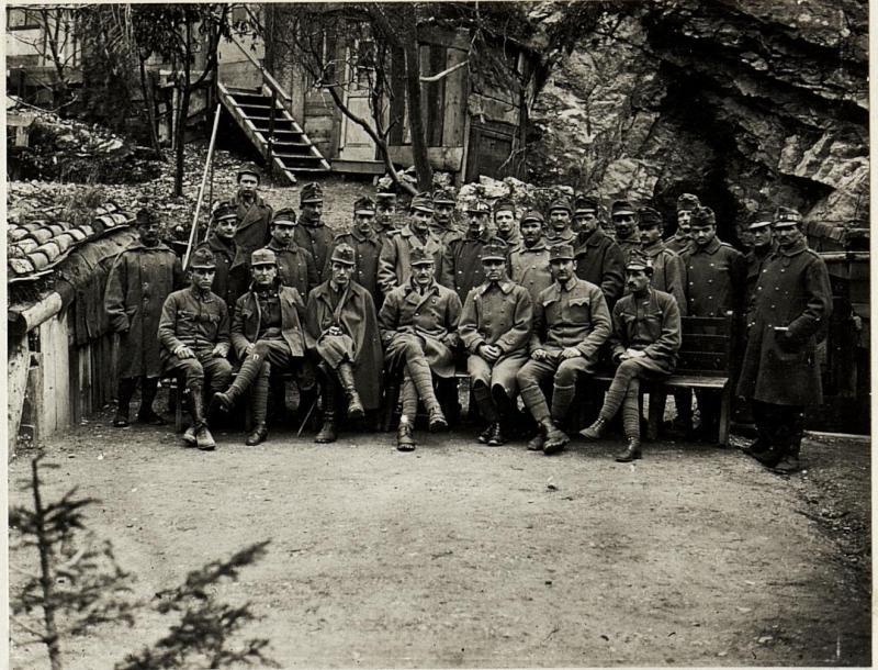 Ausgezeichnete  Mannschaftspersonen bei der 11. Armee.