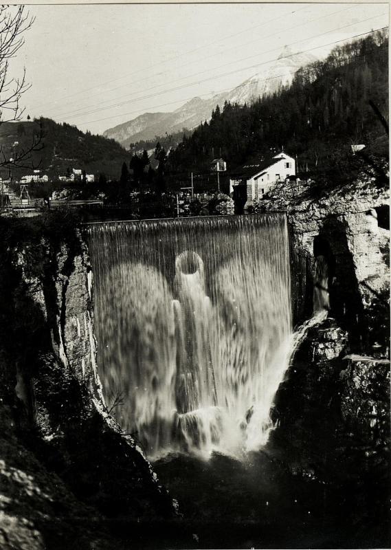 Abfluss des Stauwerkes bei Ponte della Serra..