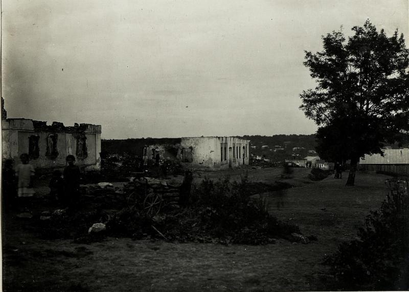 Abgebrannte Strasse im Judenviertel Horodenka