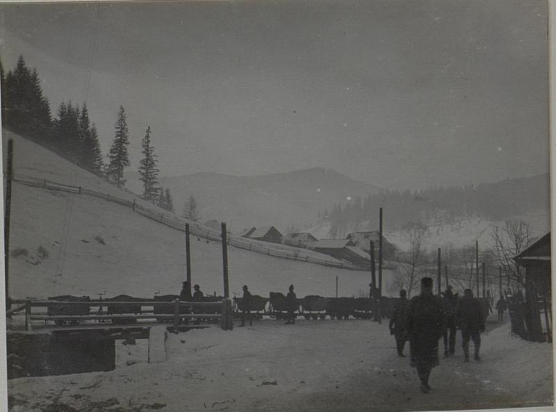 Abtransport der Erze von der Dratseilbahn in Jakobeny.