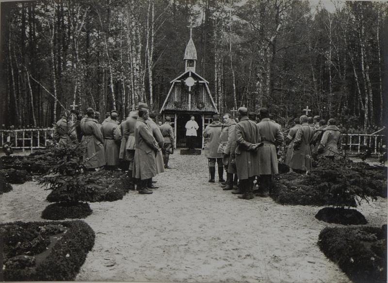 Allerheiligenmesse und Einweihung der Kapelle des Honved Infanterie Regiments Nummer 8 in Moszczanica. aufgenommen am 1. XI.1915