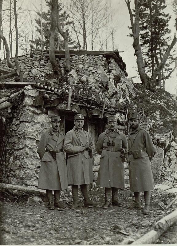 Bataillonskommando am Vrsic, Landwehrinfanterieregiment, von links nach rechts Leutnant Strobl, Rückner, Major Cortnik , Oberleutnant  Ertl