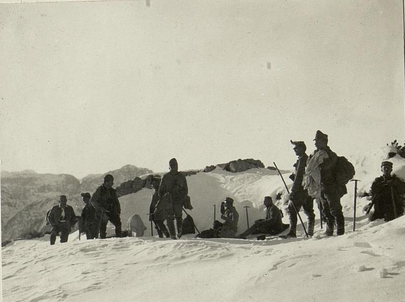 Ankunft auf der Spitze Gisnitz. (1929)