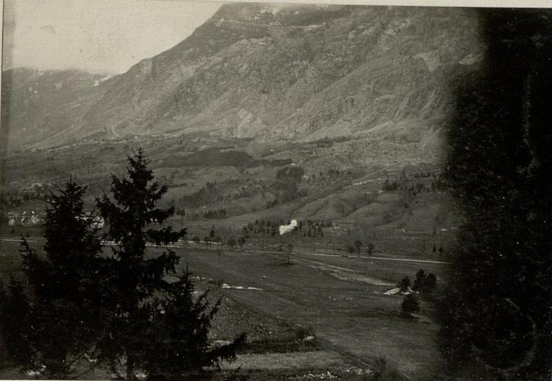 Beschießung der Kote 417 östlich Flitsch  feindlicher Infanterie Stützpunkt.