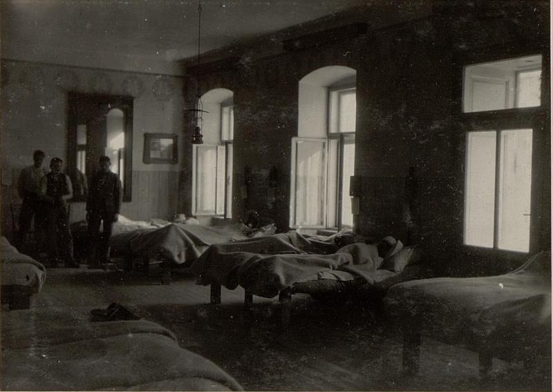 Brigade-Sanitätsanstalt Mauthen. Reserve Spital 2/7. Krankensaal.