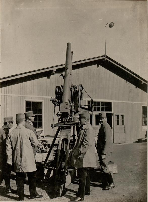 Adaptierte Feldkanone M.05, eingesetzt als Fliegerabwehrkanone, aufgenommen am 7. Mai 1916