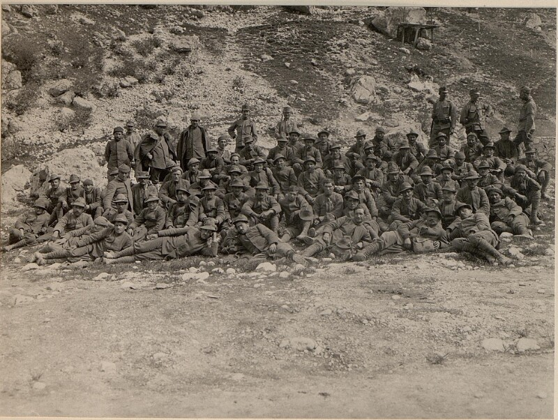 Gefangene Alpini Soldaten vom Regimente 2 in Soca.Aufgenommen am 5.5.1916.