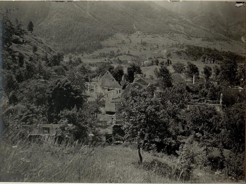 Ansicht der zerstörten Ortschaft KERSCHOVEC. Aufgenommen am 4. Juni 1916.