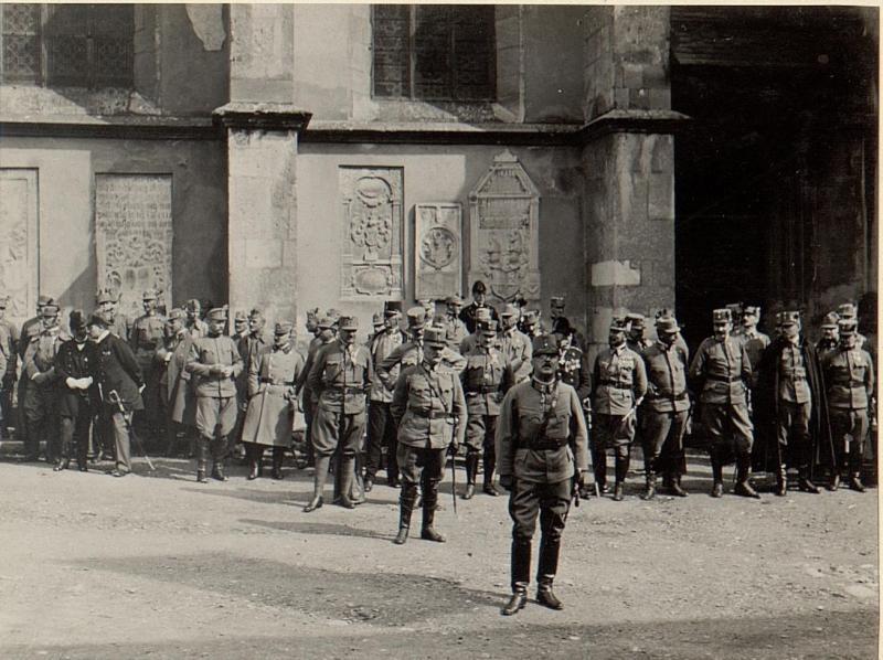 Defilierung der Stabskompagnie. Aufgenommen am 18.August 1916.