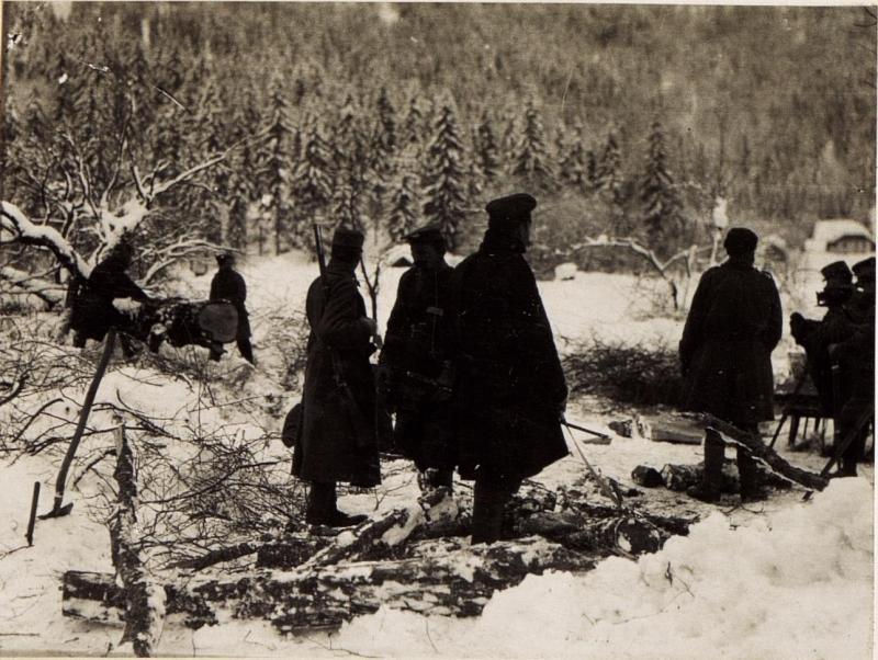 Russiscne Gefangene beim Holzfllen in Gailthale