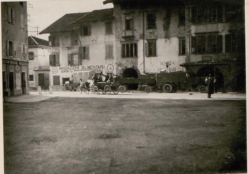 Hauptplatz in Tolmezzo.