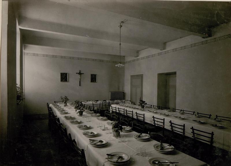 Schule zur Ausbildung weiblicher militärischer Hilfskräfte: Speisesaal.