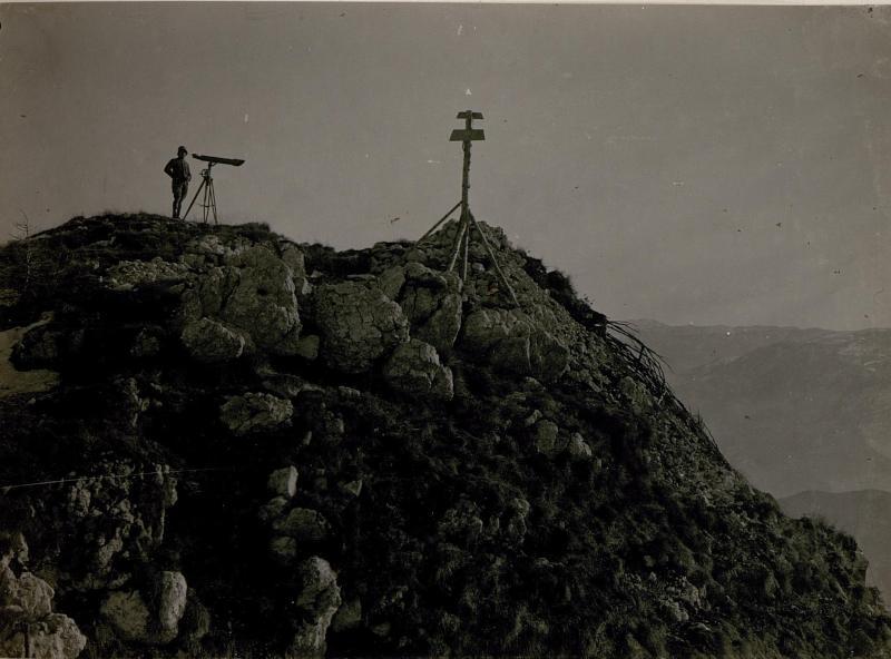 Artillerie-Beobachter auf Biaena.