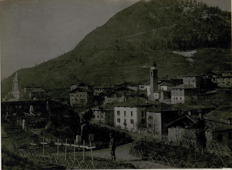 Breguzzo mit Heldenfriedhof