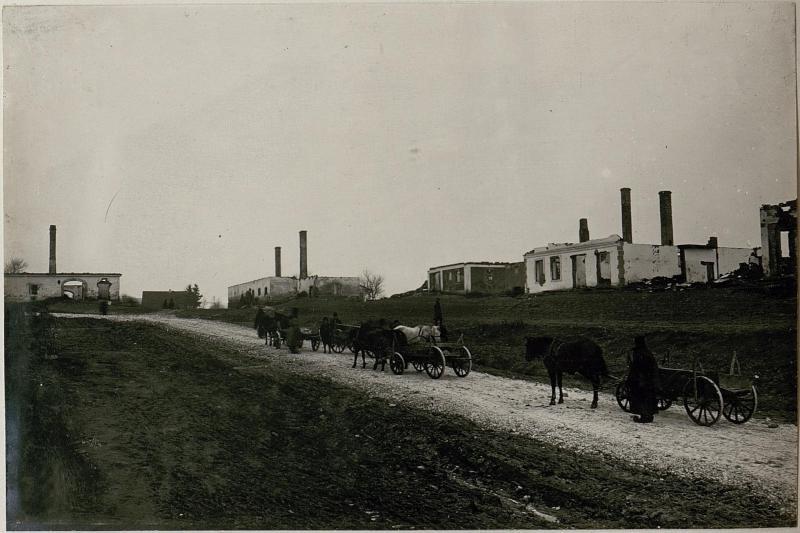 Abgebrannte Häusergruppe, Zlotniki.