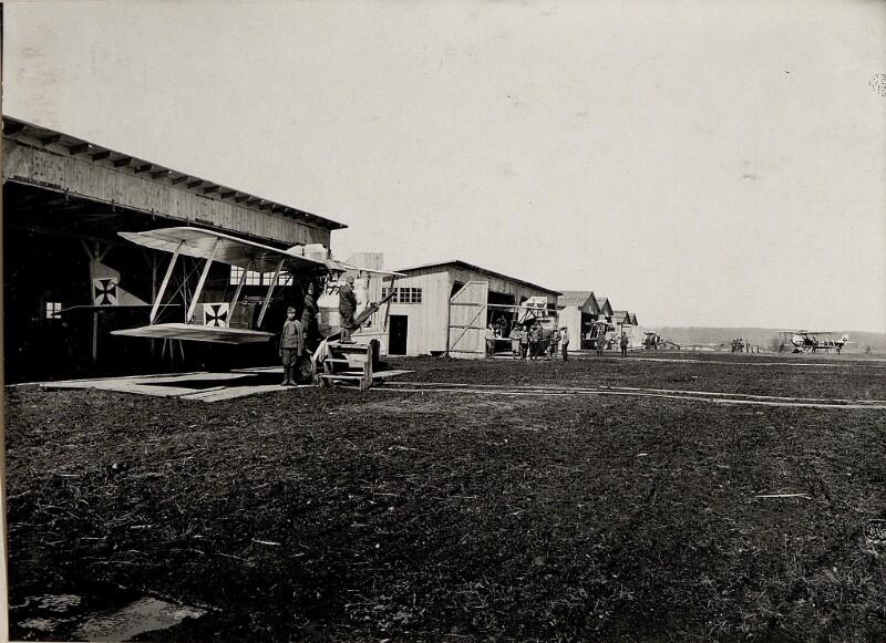 Am Flugplatz, Flieger-Kompanie  9. Kragla
