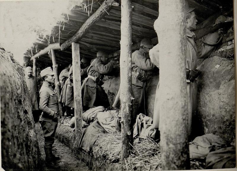 Abwehr eines feindlichen Angriffes bei M.H.Konstantinowka /: Wolhynien:/ Aufgenommen am 28.X.1915.