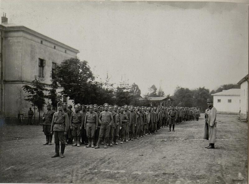 Gefangene aus den schweren Kämpfen bei Gebrow - Worobijowka werden am 4. Juni 1916 von der k.u.k. 32. Budapester Infanteriedivision, dem Szabadhaer Infanterieregiment 86 und Ujvideker Infanterieregiment 6 eingebracht, 3.6.1916