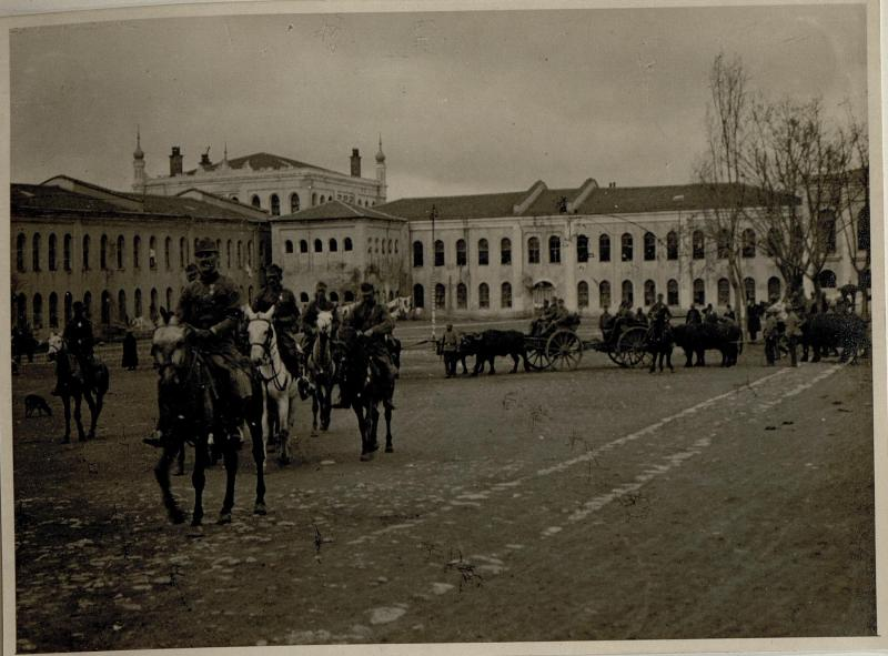 Abmarsch der Batterie aus der Taximkaserne am 30.11.1916