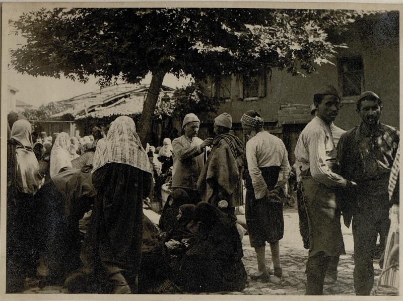 Handeltreibende türk.Frauen.Wochenmarkt Esine.
