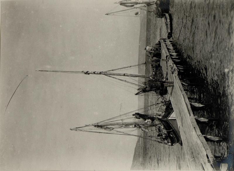 Fischerbarken in Tschanak-Kalé