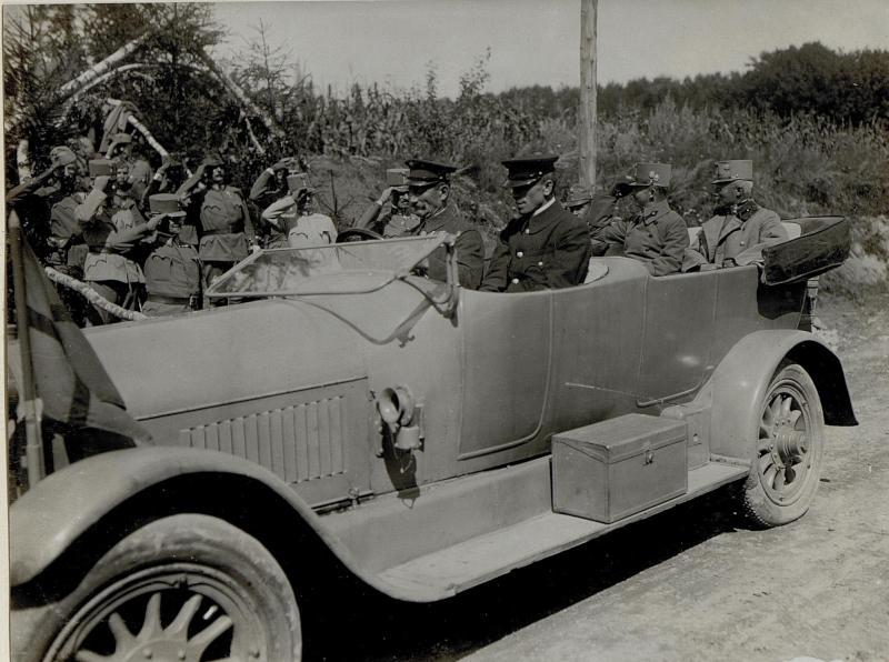 Abfahrt Erzherzogs Karl vom XIII. Korpskommando am 24.8.1916
