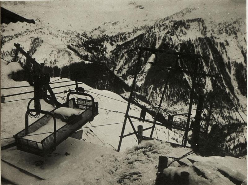 Feindliche  Drahtseilbahn am Col di Lana.