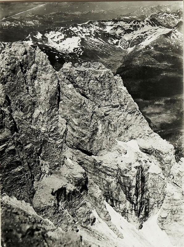 Standpunkt Rotwandspitze: Panorama  von Kreuzbergsattel bis Demuet. (1.Teilbild = WK1_ALB15_04036a).)