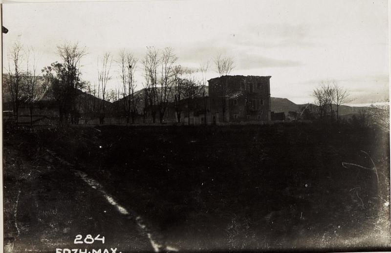 Abgebranntes Haus Essad Pascha, Tirana.
