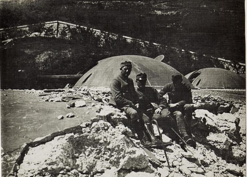 Deck des Werkes Casaratti mit Oberleutnant Mlaker.