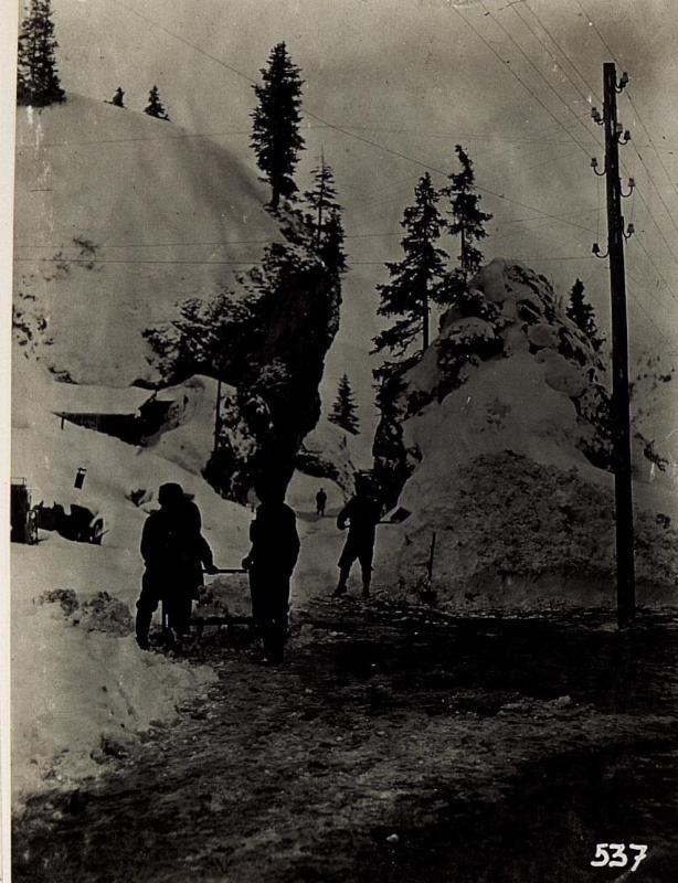 Bei Beo - Wirtshaus am Campolungo Sattel. 23.4.1915.