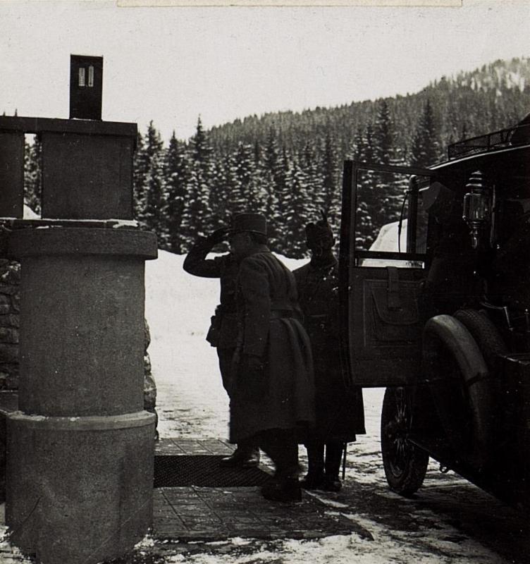 Ankunft des Feldmarschall von Conrad beim 90. Infanteriedivisionskommando in Karersee.